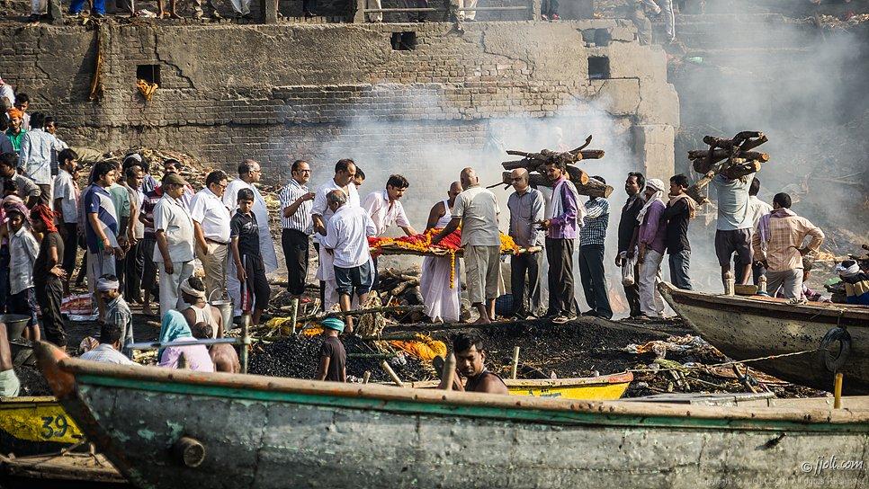 Burning ghat, Benares