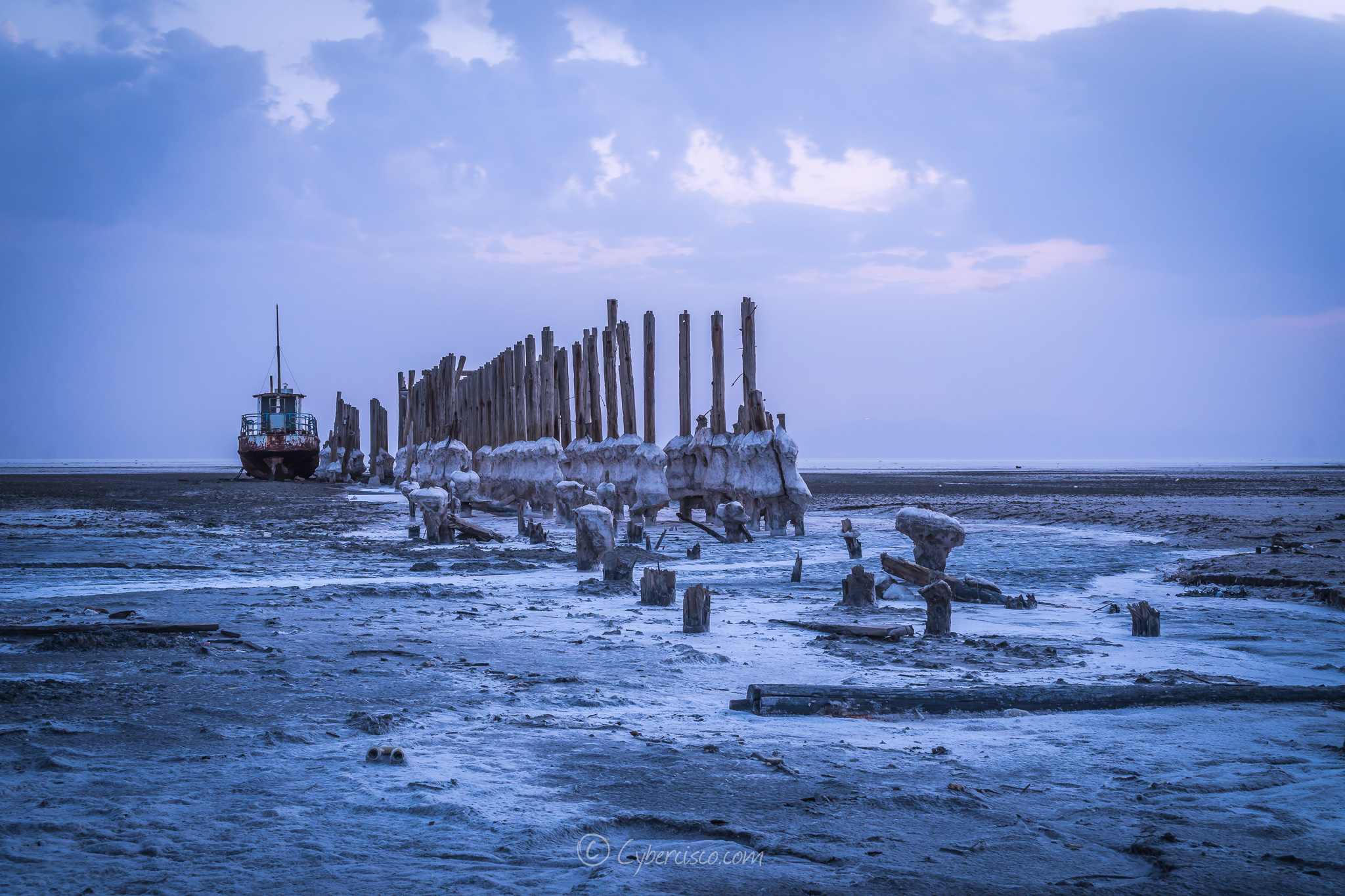 Salt wrecks