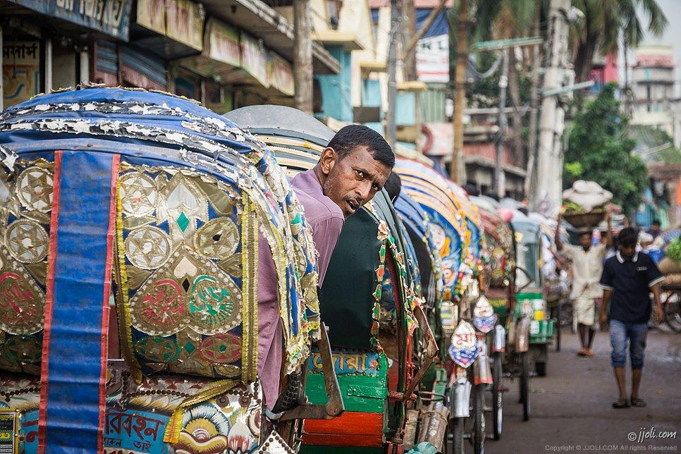 taxis, Bangladesh